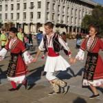 """Четвъртото издание на фолклорния фестивал """"Мизия танцува"""" събира утре в Плевен над 1000 танцьори от цялата страна"""
