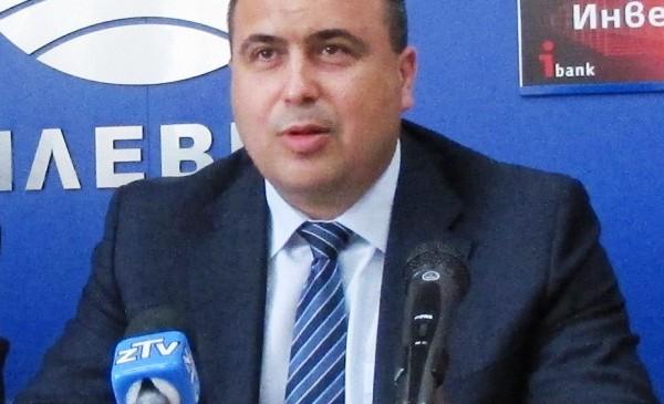 Владислав Николов