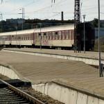 Спрените 33 влака потеглят отново от утре