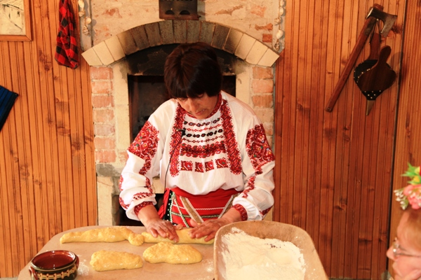 месене на хляб село Победа