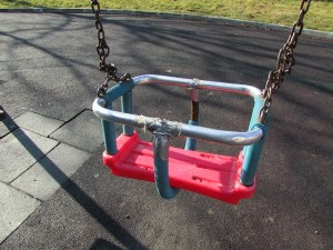 IMG_7018разрушена детска площадка