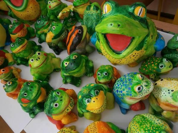 приказните жаби