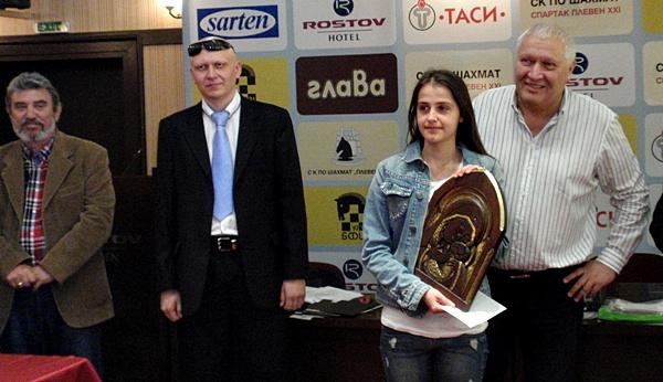 награда Симонета Иванова