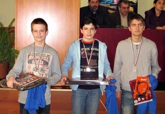 Захари Маринов награда