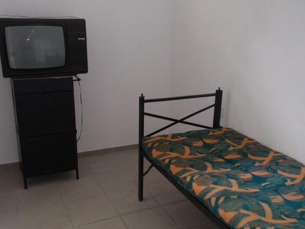учебен център затвор стая