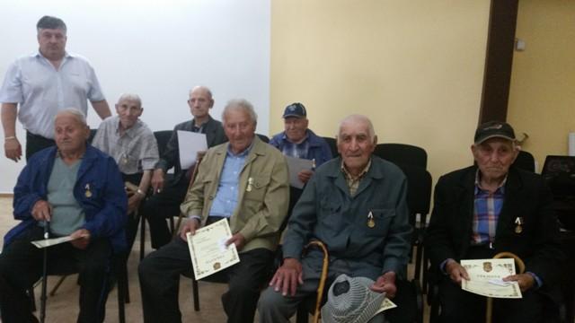 ветерани Гулянци