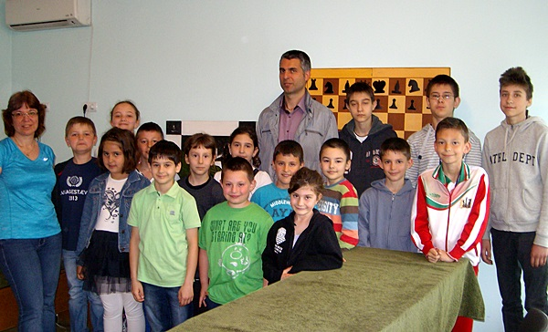ALIM7961шахматна школа