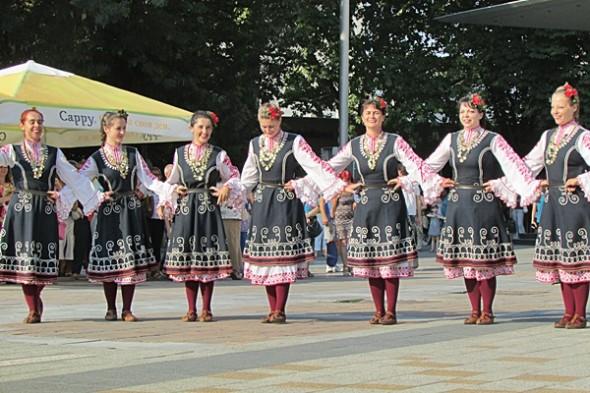 IMG_2491фестивал Плевен пее и танцува