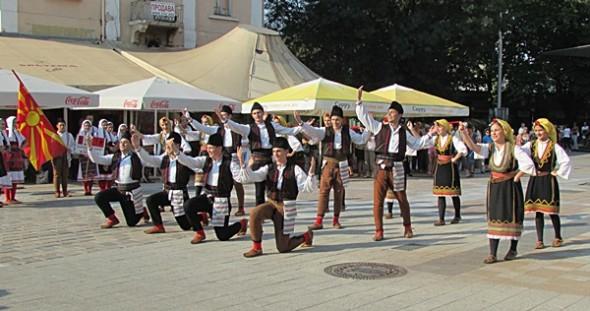 IMG_2496фестивал Плевен пее и танцува