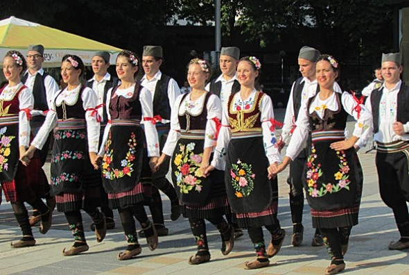 IMG_2510фестивал Плевен пее и танцува