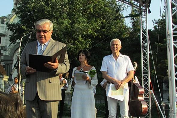 IMG_2543фестивал Плевен пее и танцува