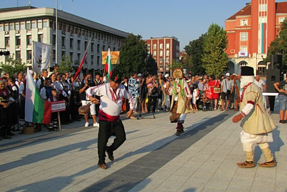 IMG_2547фестивал Плевен пее и танцува