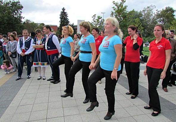 IMG_3872Мизия танцува