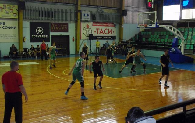ученически игри баскетбол