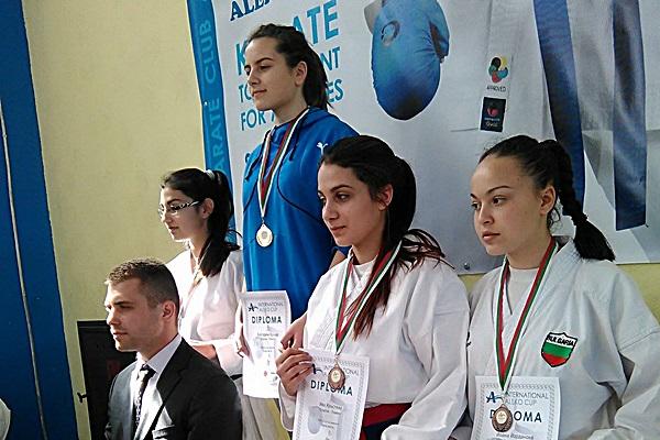 Екатерина Ядкова - 1 място ката и Ива Кръстева - 3 място ката