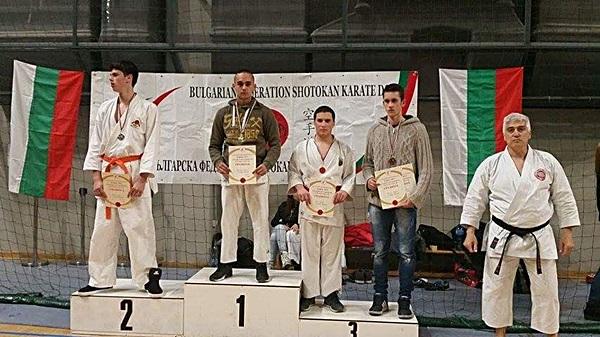 Кристиян Петракиев - Шампион и Калин Стефанов - бронзов медалист на Шобу кумите