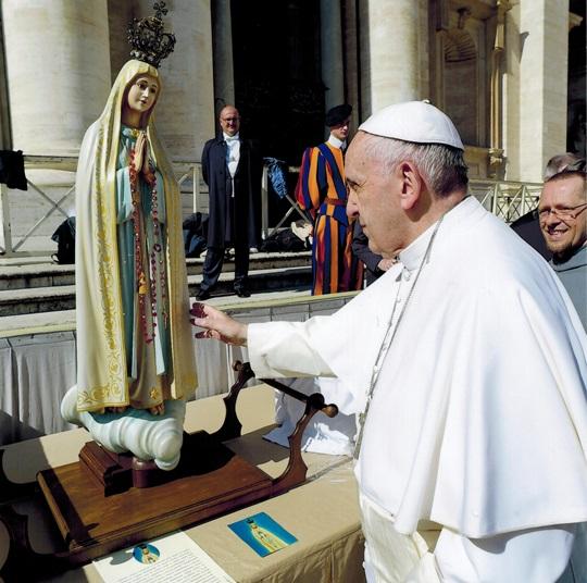 папа статуя дева мария