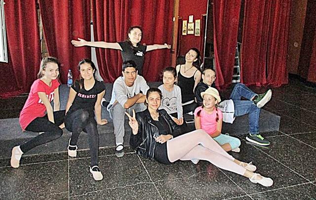 балет Приказки за танци репетиции 1