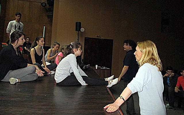 балет Приказки за танци репетиции