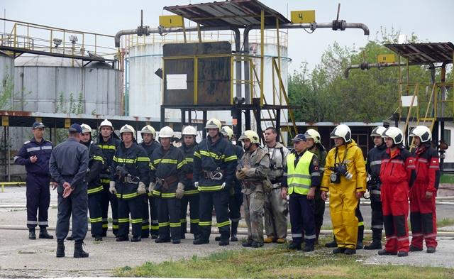 пожарникари учение Левски 1