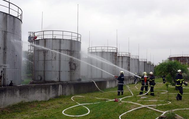 пожарникари учение Левски