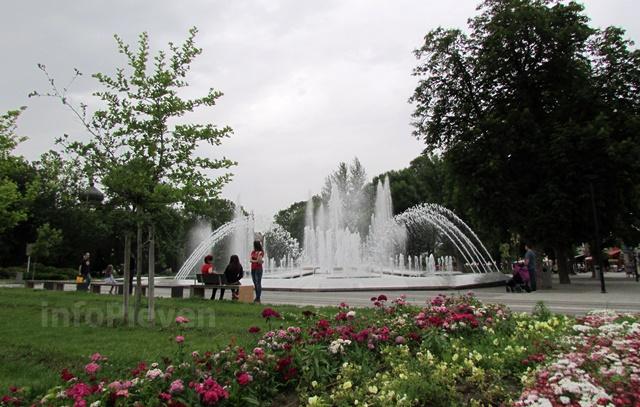 фонтан Плевен цветя