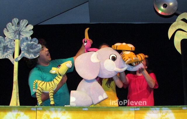 Тигърчето Спас и малкото голямо слонче 12