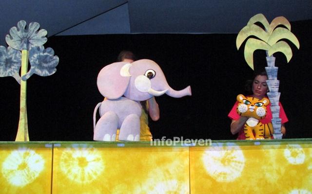 Тигърчето Спас и малкото голямо слонче 9