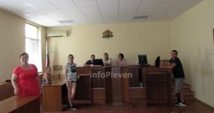 симулативен процес ученици съд МГ Гео Милев (6)