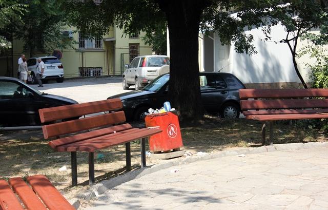 детска площадка пейки